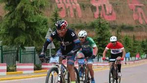 """""""陕州地坑院杯""""山地自行车赛在举行 上演""""速度与激情"""""""