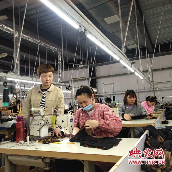 许昌市建安区:一对热血年轻夫妻 携手创业服装之路