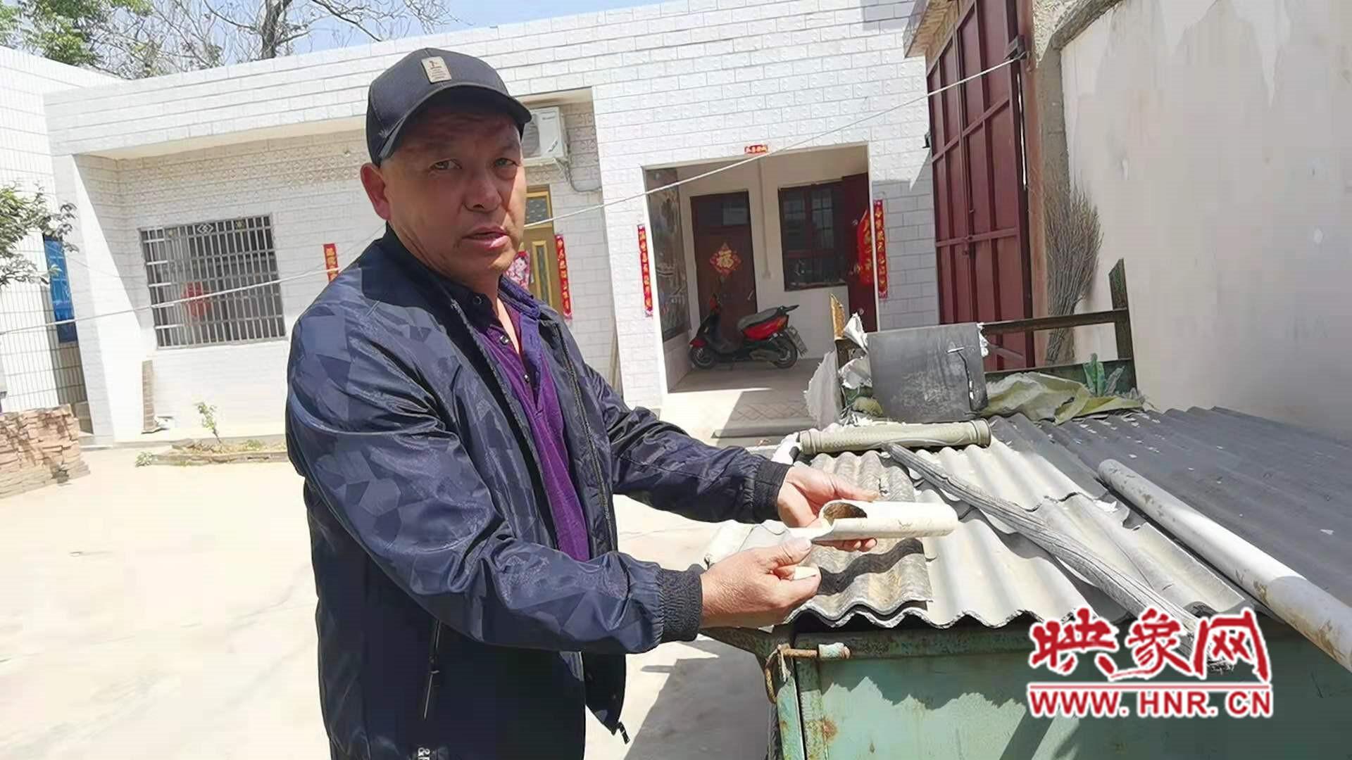 """厕所改造致水表两月""""跑水""""2000多吨 村民缴不起水费停水近两月"""