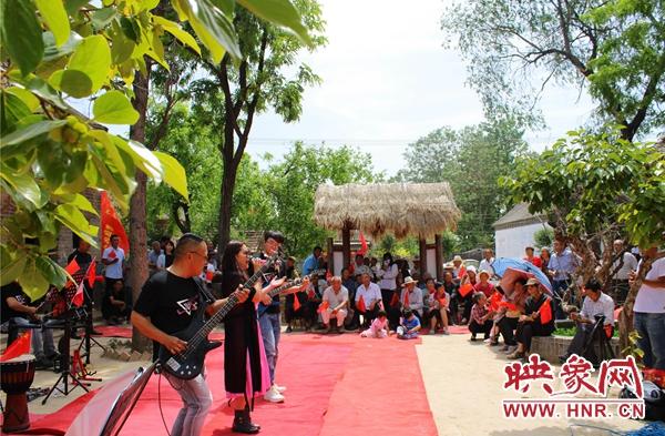 杞县:红色经典演出送到群众家门口