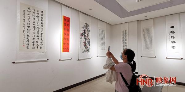 中国人民大学校友书画作品展全国巡展首站在洛阳开幕