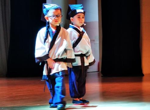 《少儿语言表演》项目化教学成果汇报演出成功举办