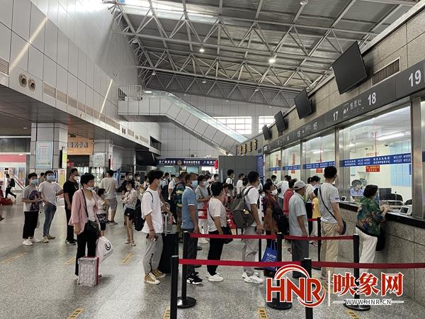 郑州公路暑运全面启动 预计累计发送旅客将超过200万人次