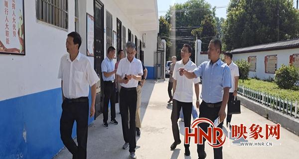 驻马店市人大常委会领导到汝南县东官庄镇调研指导乡镇人大工作