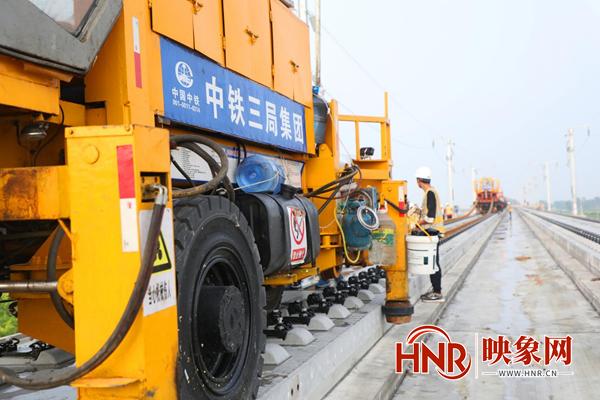 郑济高铁迎来最新进展 新建铺轨工程量过半