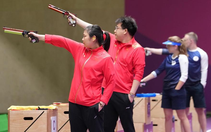 庞伟、姜冉馨逆转摘下气手枪混团冠军