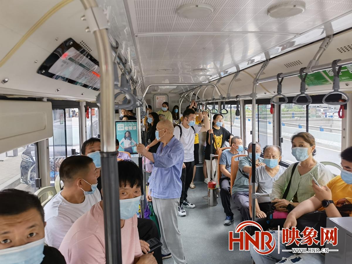 郑州公交免费出行第一天 市民出行感受怎么样?