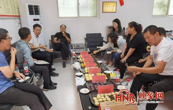 """举办玉米""""选美大赛"""" 宜阳县探索群众致富新路"""