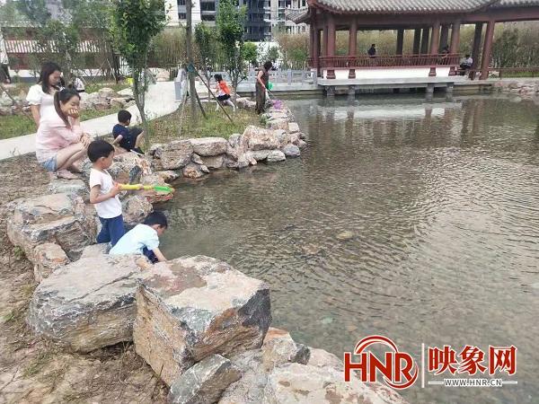 信阳淮滨:城市小游园建设让居民满满幸福感