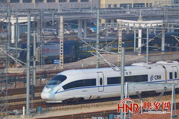 中秋假期首日 郑州铁路部门预计发送旅客34.4万人