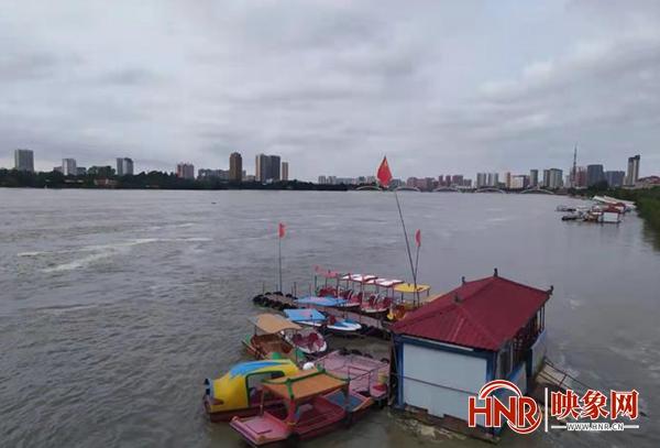 南阳鸭河口水库昨日4时起加大泄洪流量 切勿靠近河道