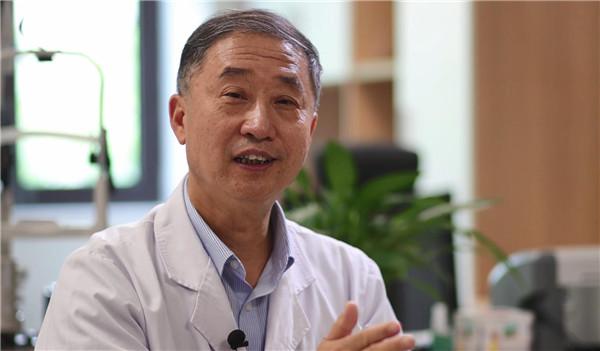 河南资深眼科专家陈刚的光明新使命:培养更多眼科人才