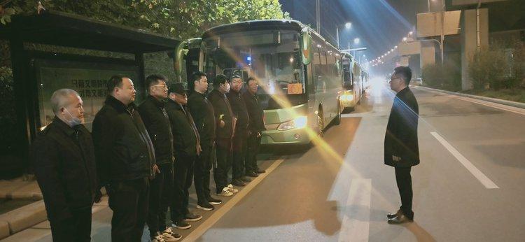 郑州公交二公司助力艺考