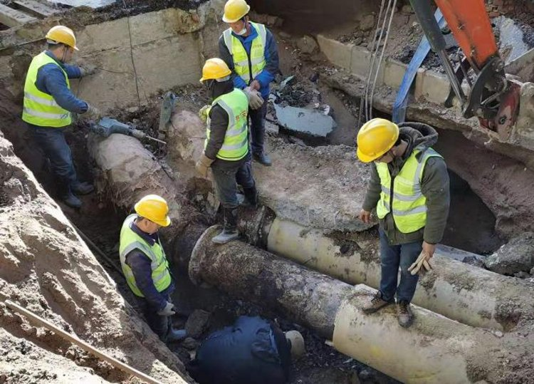 郑州热力管道抢修完成,老旧管道爆管有四个原因