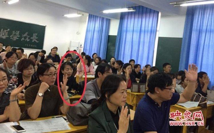"""""""焦作女教师质疑评职称不公平""""出现反转?事实仍有待商榷"""